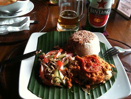 Déjeuner au Café Lotus à Ubud