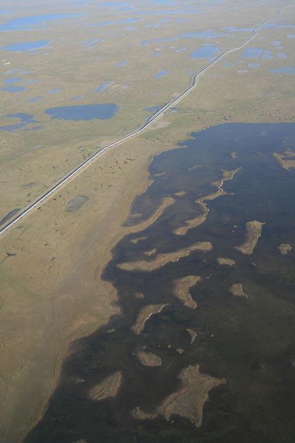 Piste et oléoduc à Fairbanks
