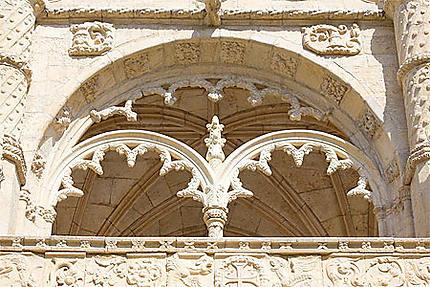 Lisbonne - Belém - Monastère - Une arcade du cloître (étage supérieur)