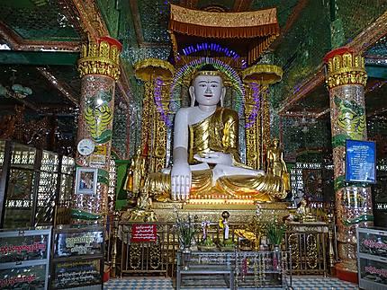 Un Bouddha de la Pagode U Ponya à Sagaing