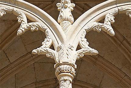Lisbonne - Belém - Monastère - Une arcade du cloître - Détail
