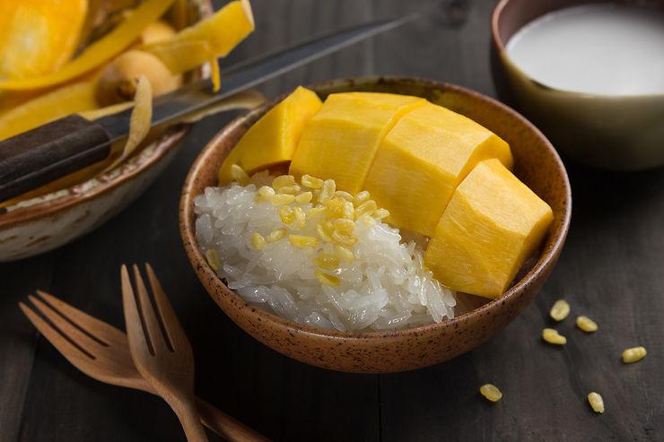 Khao Niaow Mamuang (Mango Sticky Rice) – Thaïlande
