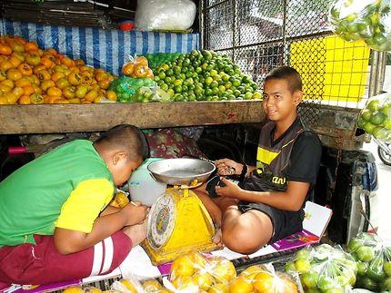 Vendeurs ambulants à Bang Saray, Thaïlande