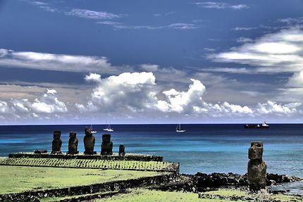Moaï sur l'Ile de Paques