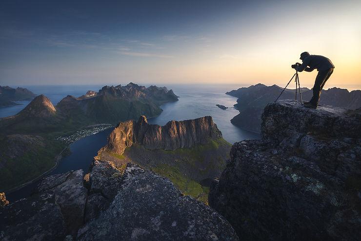 Photographe sur l'île de Senja, Norvège