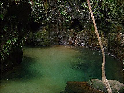 Le petit lac de la cascade des nymphes