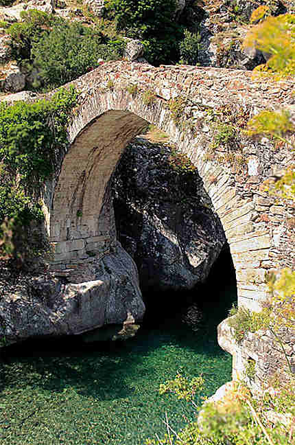 Pont génois vallée d'asco