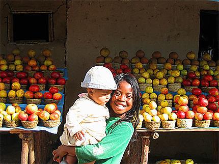 Petite marchande de pomme Ambatolampy