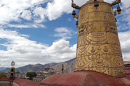 Sur le toit du monastère de Jokhang