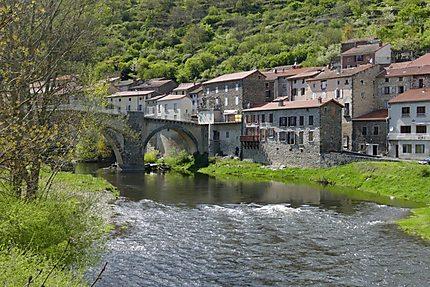 Pont médiéval sur l'Allier
