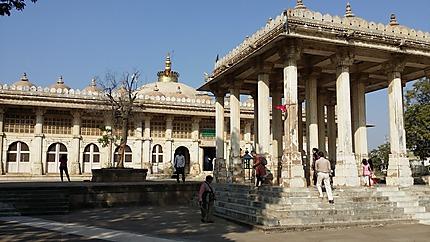 site de rencontre gratuit sans paiement à Ahmedabad
