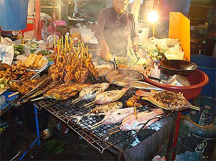 Poissons grillés à Ao Nang