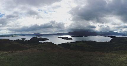 Vue panoramique du haut de Conic Hill
