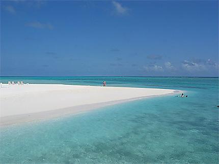Plage Meerufenfushi maldives