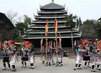 Minorité Dong spectacle de danse