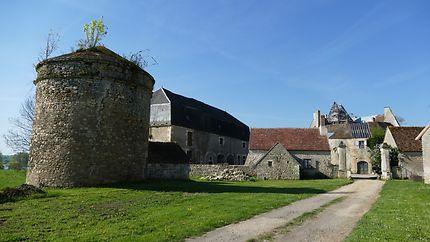 Chateau de Meauce et ses dépendances