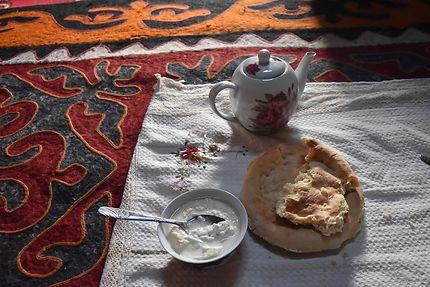Hospitalité kirghize, Kirghizistan