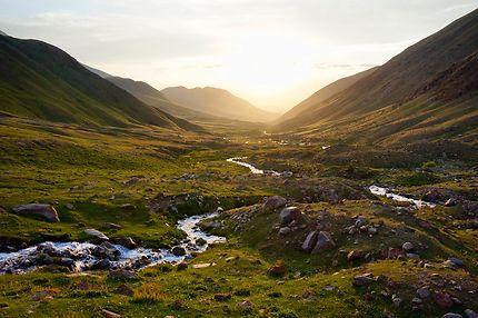 Coucher de soleil au Kirghizistan