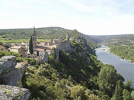 Aiguèze et la sortie des Gorges de l'Ardèche