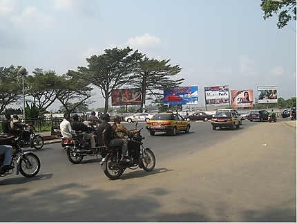 Rond-point Sandaga à Douala