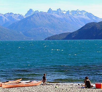 Détente au bord du lago Puelo