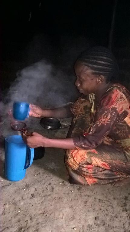 Preparation du cafè au village de Nganda Mbinda