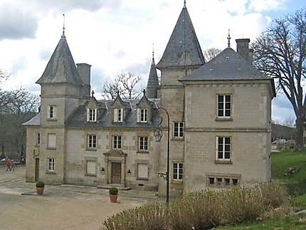 Lac de Vassivière, château