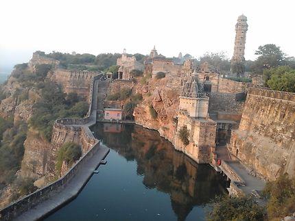 Le fort de Chittorgarh avec la tour de la victoire