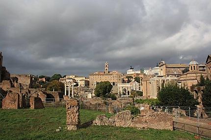 Le forum menacé par les nuages