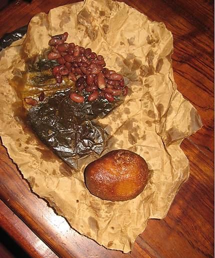 Beignets à la farine de blé et haricots rouges