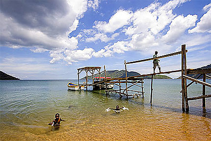 Sur les rives du lac Malawi
