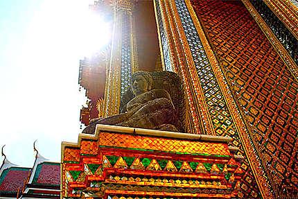 Boudhha sous le soleil de Wat Phra Kaeo