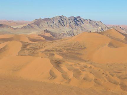 Vue depuis le haut de la dune Big Daddy, Namibie