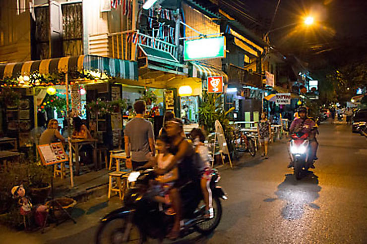 Se loger autour de Khao San : rues voisines, Samsen soi pairs et canal