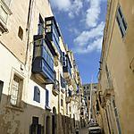 Rue bleue à La Valette