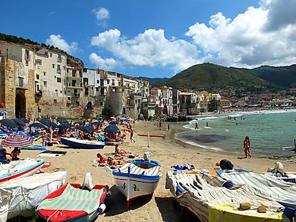Cefalù - la plage et les bateaux