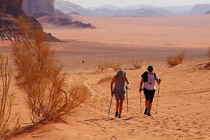 Trek dans le Wadi Rum, Jordanie