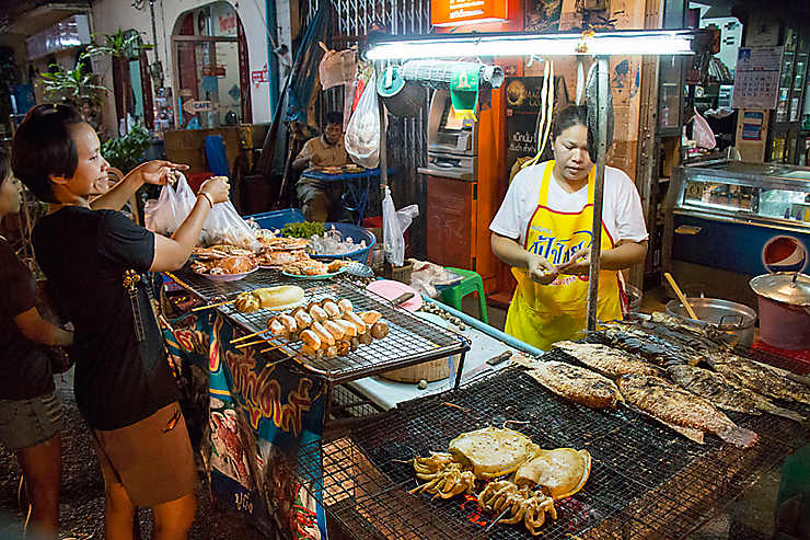 Bangkok : Khao San Road, In & Off