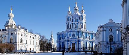 Cathédrale de Smolny sous la neige