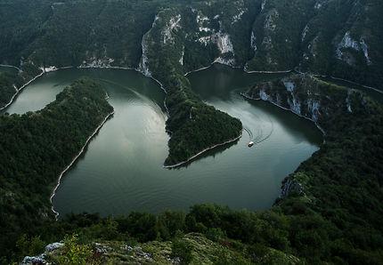 Méandre de l'Uvac, rivière en Serbie