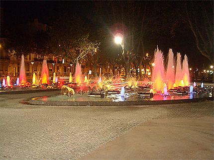 Fontaine de Perpignan la nuit