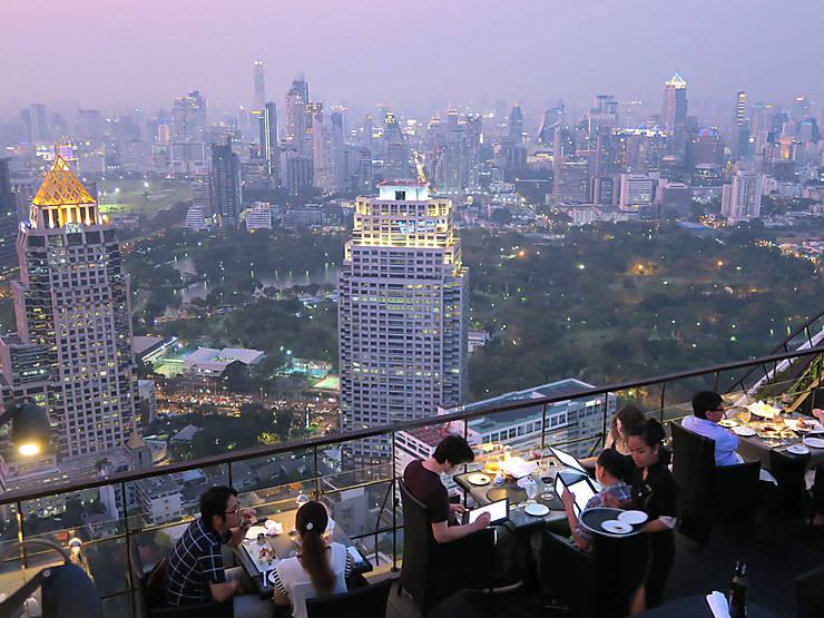 Les rooftop bars, avec vue sur la ville