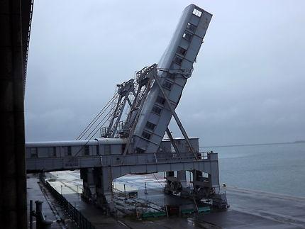 Cherbourg passerelles embarquement paquebots