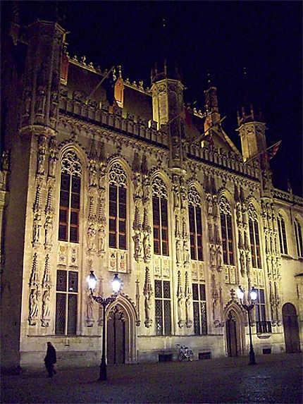 Stadhuis de nuit