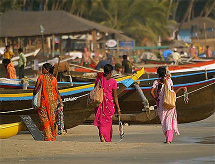 Femmes indiennes sur la plage de Palolem