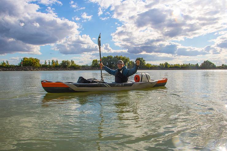 Pouvez-vous vous présenter aux internautes ? D'où venez-vous et d'où vient votre passion pour le kayak ?