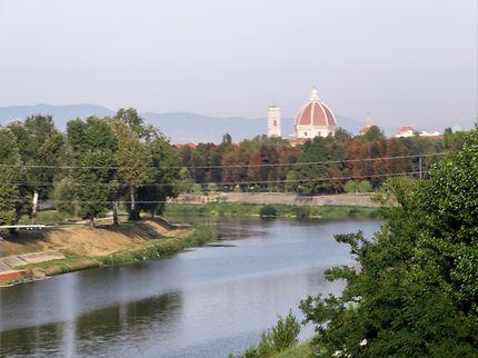 Le fleuve Arno et le dôme de Florence