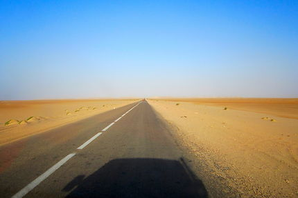 Ombre dans le Sahara !