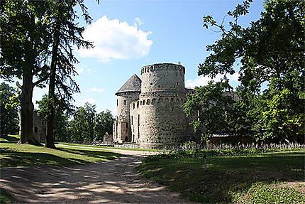 Le château entouré du parc