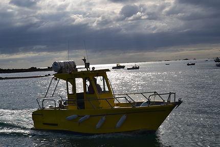 Bateau jaune au petit matin, Île de Bréhat